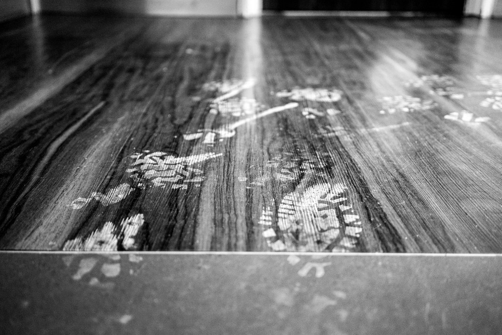 Friday, January 30th, 2015 in Frankfurt - Number 031 of 366mm Dirty footprints in the stairway