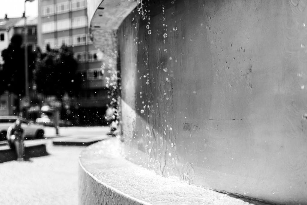 "Thursday, May 14th, 2015 in Frankfurt - Number 135 of 366mm Somebody is waiting left of the fountains at ""Berger Strasse"""