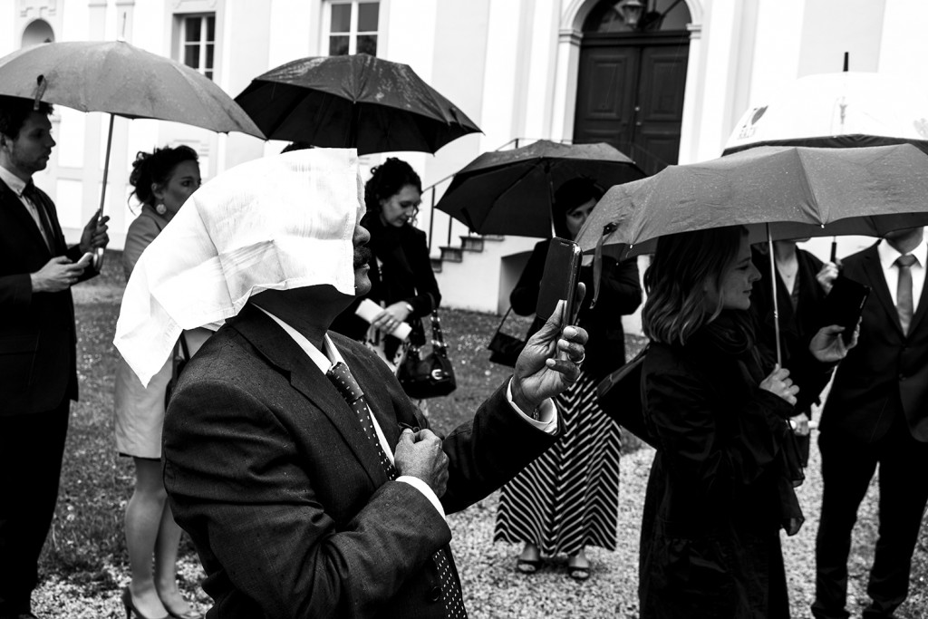 Saturday, May 23th,  2015 in Passau - Number 144 of 366mm After the church wedding, the crowd is waiting for the bridal couple