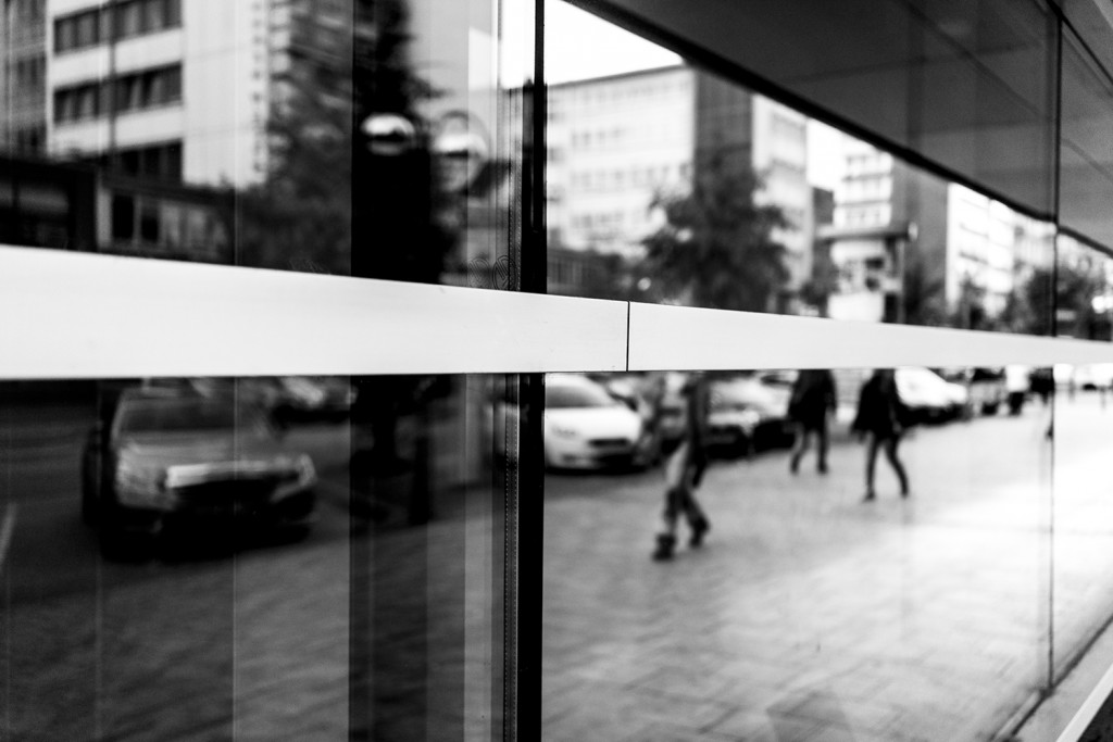 Thursday, September 10th, 2015 in Frankfurt - Number 254 of 366mm Headless people have been reflected in a shop window