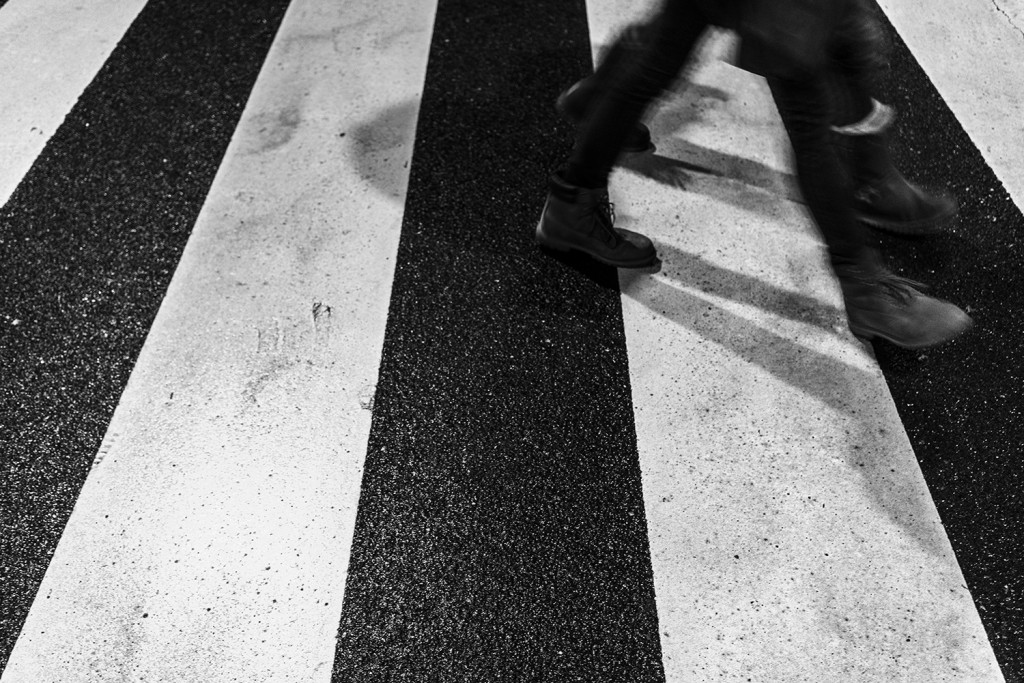 Saturday, December 12th, 2015 in Kronberg - Number 347 of 366mm Two people in step over the crosswalk